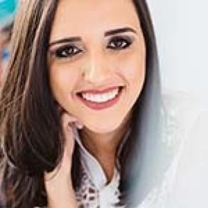 Carol Alvarenga