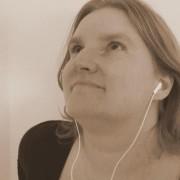 Dr. Ana Slavec