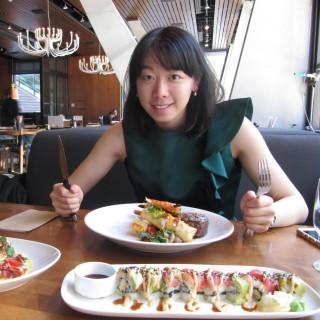 Akira Stephanie Zhou