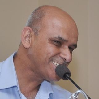 Dr.Dinesh kapur