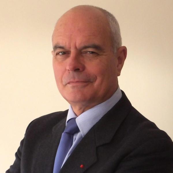 le général Piquemal sort du silence en venant à Calais malgré l'interdiction de la manifestation - arrestation du général Piquemal  - Page 2 F5375e052be7dc2adbdae37a5325765e?s=600&d=mm&r=g