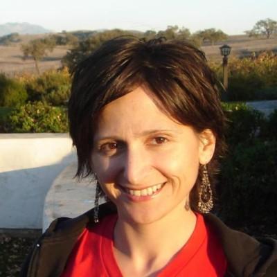Karina L. Tahiliani